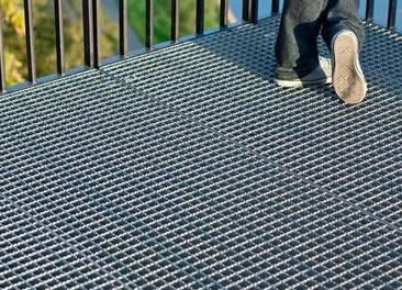 Serrated Steel Grating Excellent For Slip Resistance